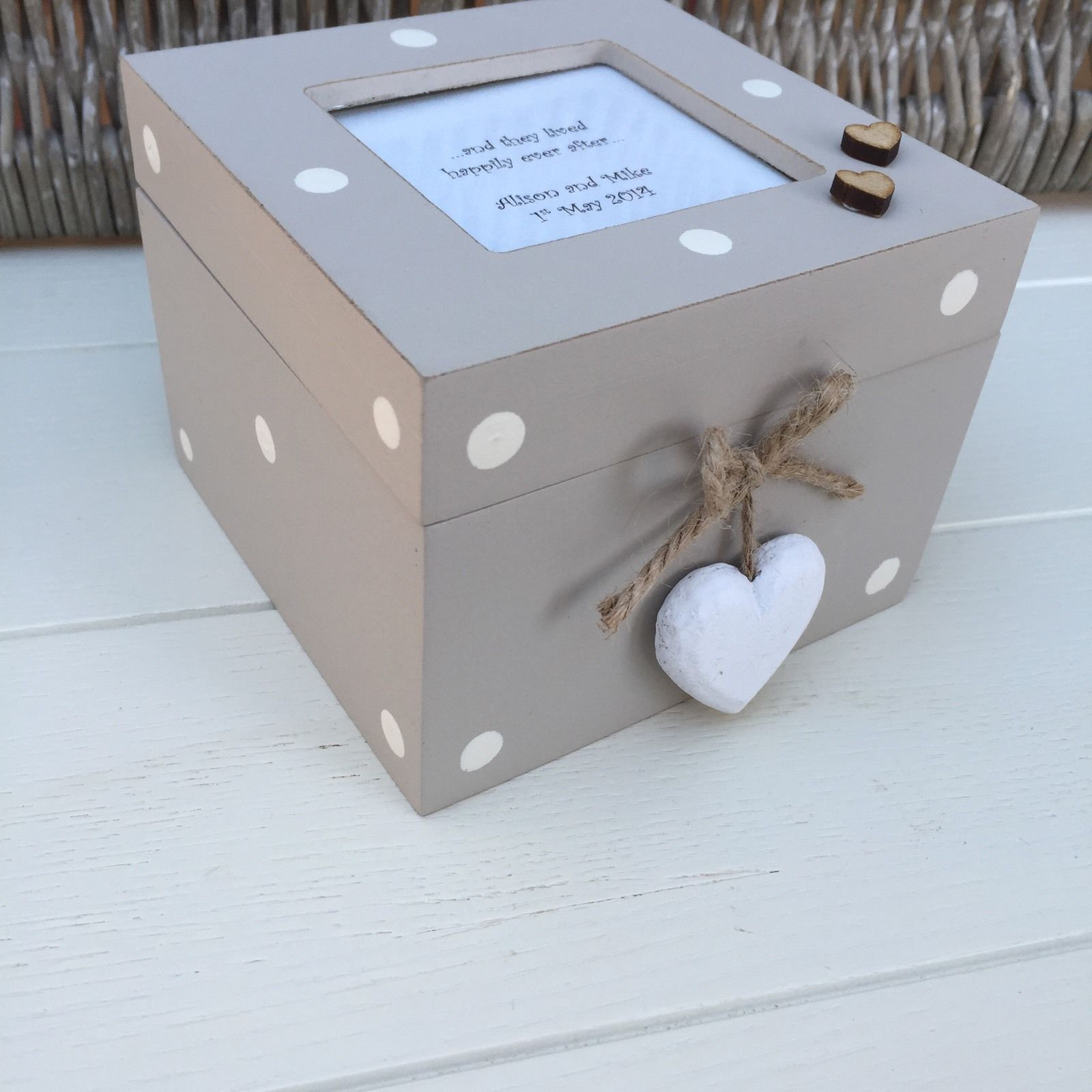 Wedding Keepsake Gifts Uk : ... Personalised chic Wedding Bride & Groom Trinket gift Keepsake Box